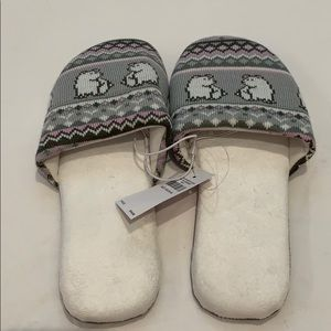 NWT JUSTICE slippers
